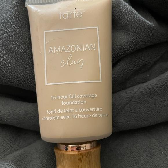 Tarte Amazonian clay foundation #286